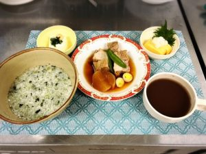 潮騒の家イベント「七草粥と豚の角煮」」
