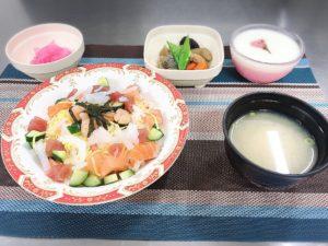 200331潮騒の家 ちらし寿司